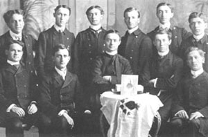 Le groupe d'Action catholique de Valleyfield, en 1906.